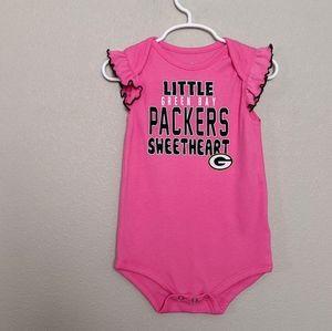 NWOT NFL Green Bay Packers Pink Onesie 6-9 Months